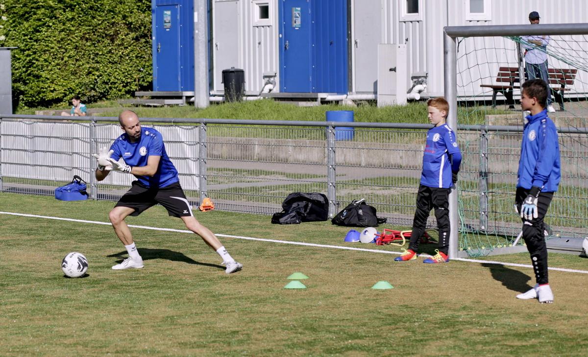 Torwarttraining beim FC Blau-Weiß Friesdorf