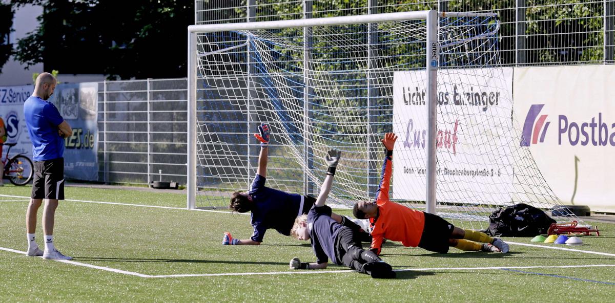 Torwarttraining beim FC Blau-Weiß Friesdorf – Teil 2